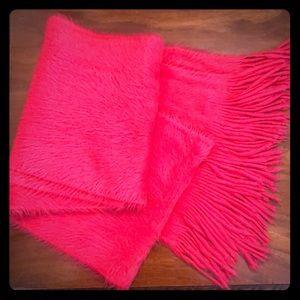 Accessories - Fuzzy pink fringe scarf
